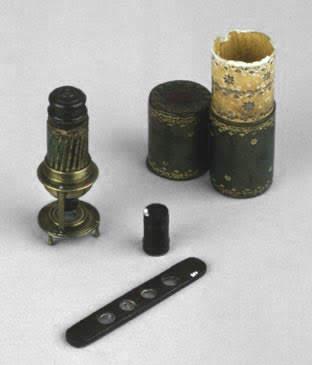 Small Italian microscope from around 1680
