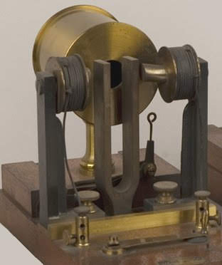 Detail of part of Helmholtz's apparatus for the synthesis of sound